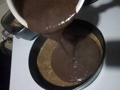 تحلية الطبقات بالشوكولاته
