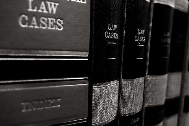 memilih firma hukum untuk mengatasi risiko