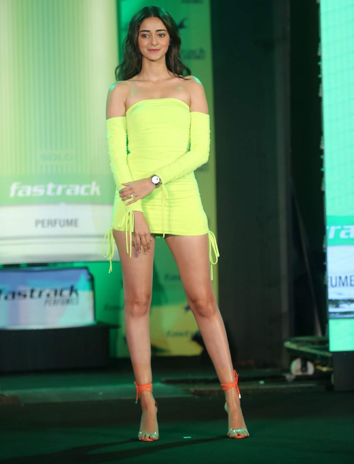 Ananya Panday look hot in Short Green Dress Images