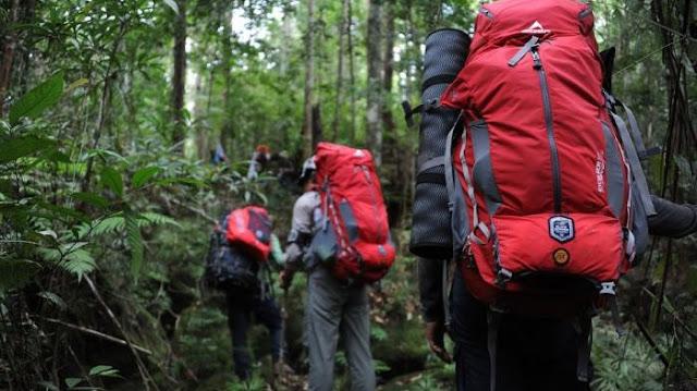 Rekomendasi Tas Gunung untuk Tampil Cantik Saat Hiking