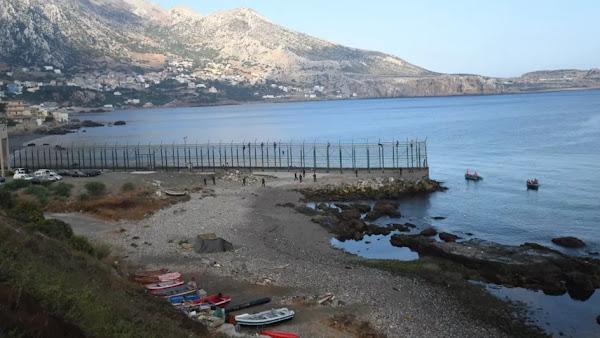 Espagne : Expulsion d'une centaine de migrants marocains arrivés à la nage à Ceuta