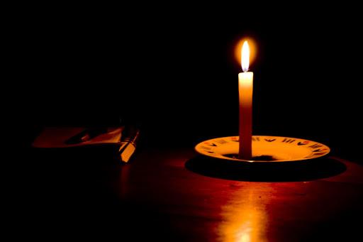 Elesbão Veloso: Em pleno domingo, consumidores da Equatorial ficam mais de uma hora e meia sem energia elétrica.