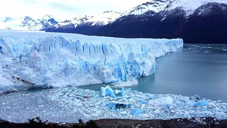 Glacier Fall, Keindahan Dunia Beku di Norwegia