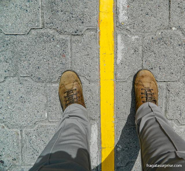 Linha do equador, em Quito