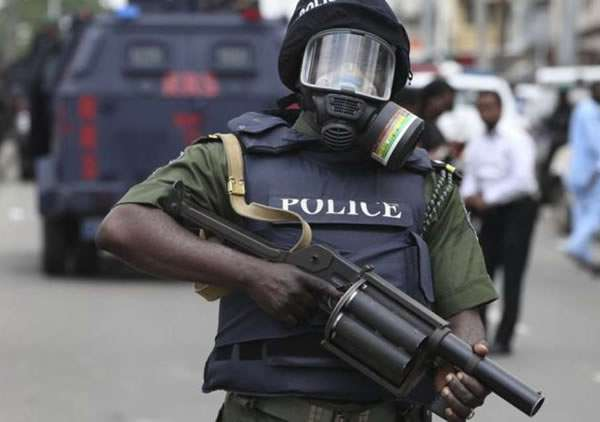 Police shoots 2-armed robbers dead in Rivers