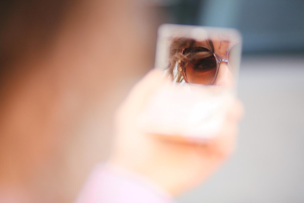 макияж и очки в образе
