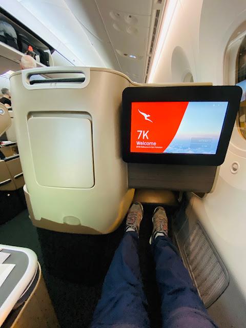 Review: Qantas QF49 Business Class Boeing 787-9 Drameliner Melbourne (MEL) to San Francisco (SFO)