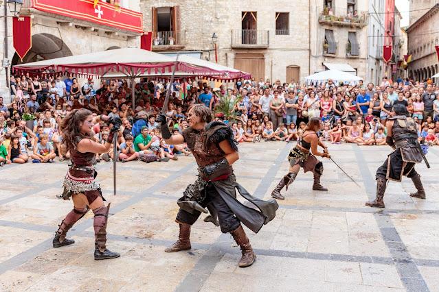 Средневековый праздник-ярмарка в Бесалу (Besalú Medieval)