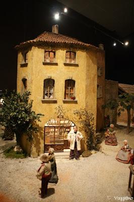 Il farmacista e la sua bottega al villaggio provenzale