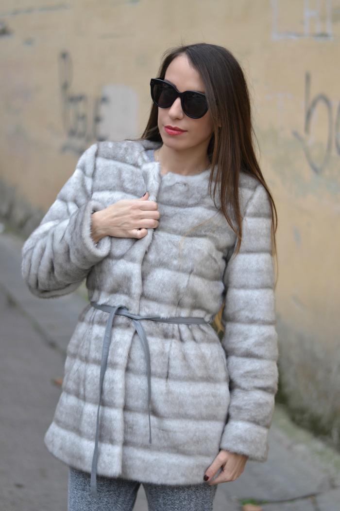 pelliccia con cintura