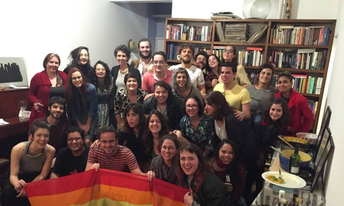 Coletivos atuam na internet para divulgar candidaturas que militam pela causa LGBT