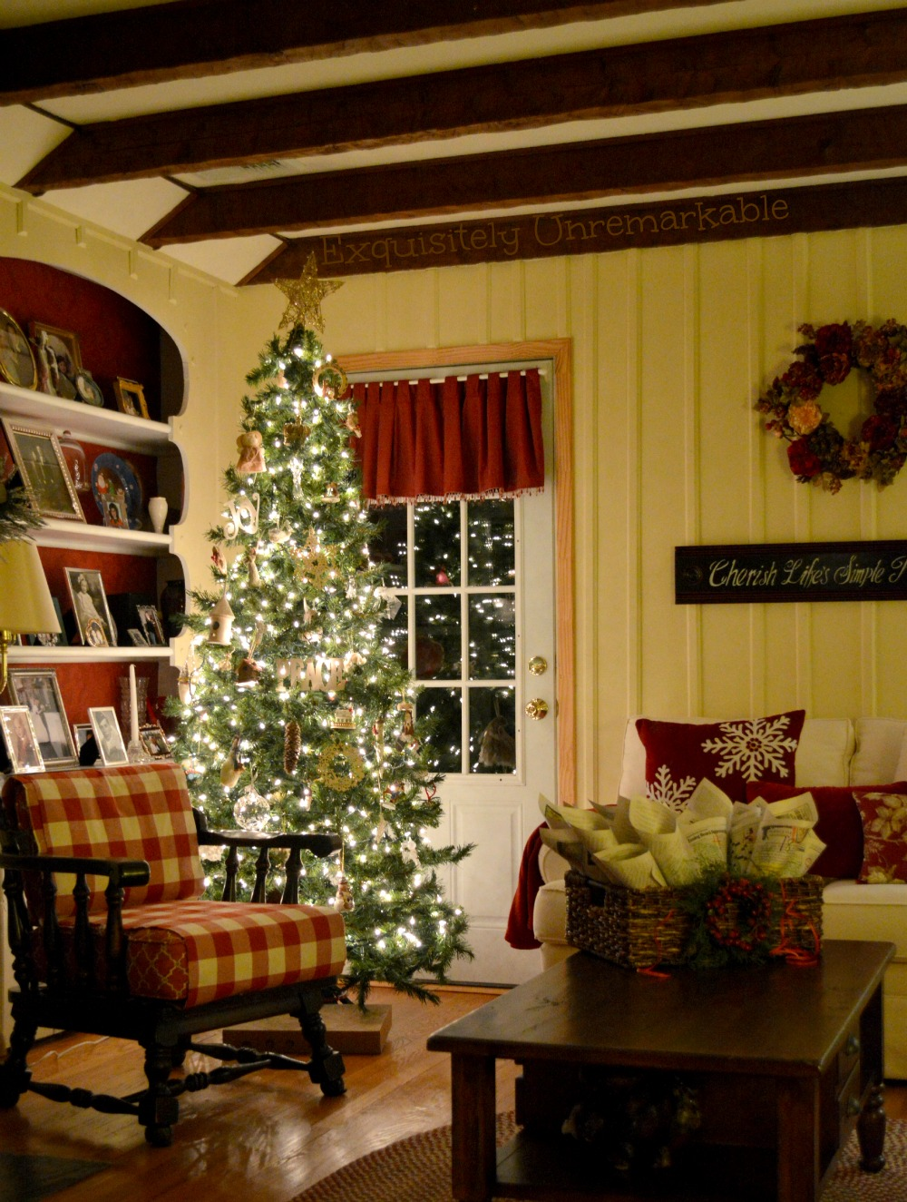 Rustic Christmas Cottage Decor