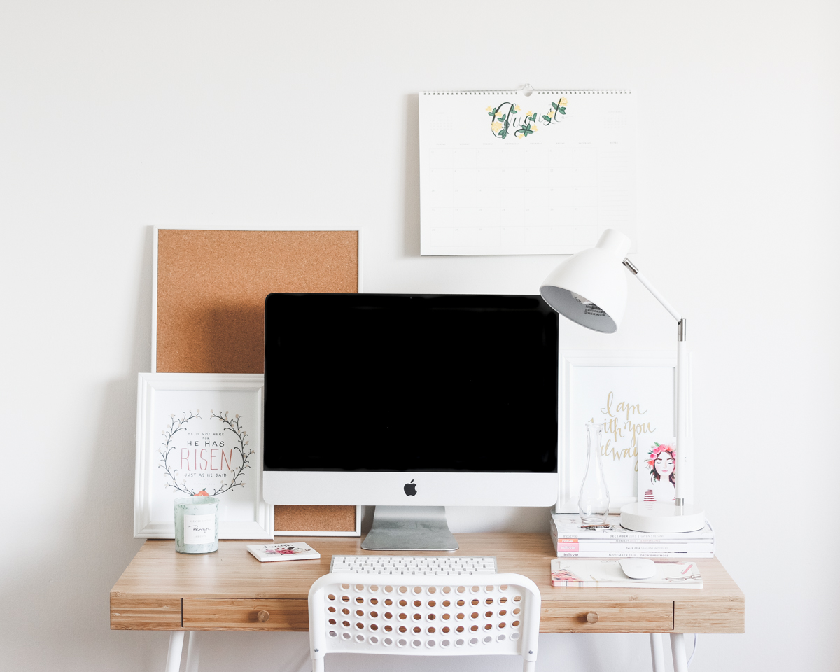 5 Tips For A Pretty Desk | A Girl, Obsessed