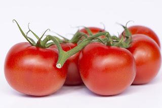 تفسير مشاهدة تناول الطماطم في الحلم