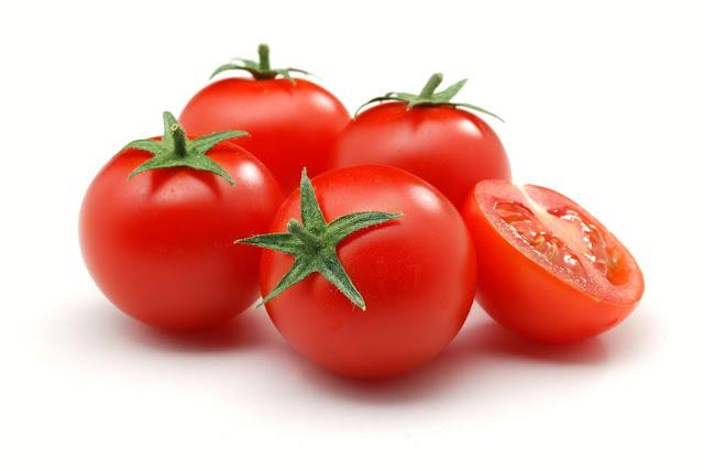 Manfaat Buah Tomat buat Kesehatan Tubuh dan Kulit