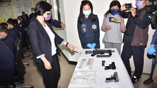 彰化分局破獲槍砲、毒品案 王惠美表揚有功人員
