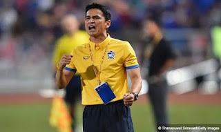 Kiatisuk Senamuang Calon Kuat Pelatih Persib Bandung Musim Depan