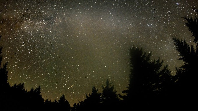 Tonlarca Görünmez Asteroid ve Kuyruklu Yıldız Tozu Üstümüze Düşüyor