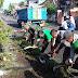 TNI, Pemdes dan Masyarakat Gotong Royong Bersihkan Lingkungan