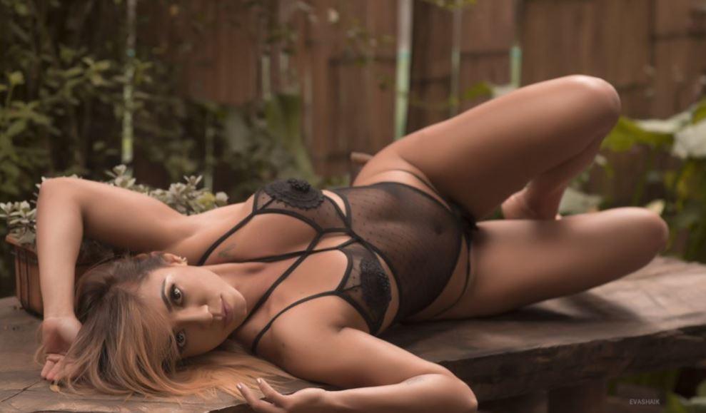 EvaShaik Model GlamourCams