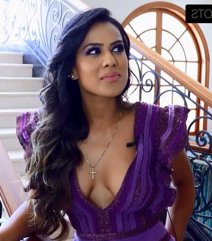 Nia Sharma Hot and Sexy deep Cleavage