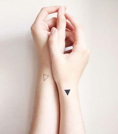 bayan bilek dövmeleri üçgen woman wrist tattoos triangle