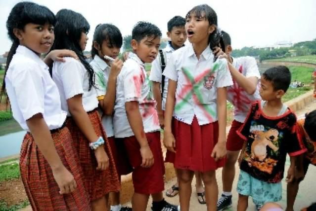 Wadaw, 4 Foto Anak SD Rayakan Kelulusan Ini Pasti ...