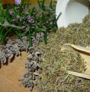 Five Herbs To Cleanse The Air In Your Home