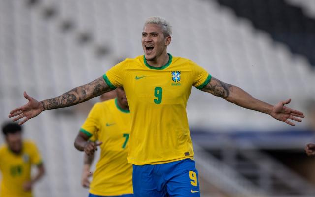 CBF notifica Flamengo por convocação de Pedro; clube vai recorrer na justiça