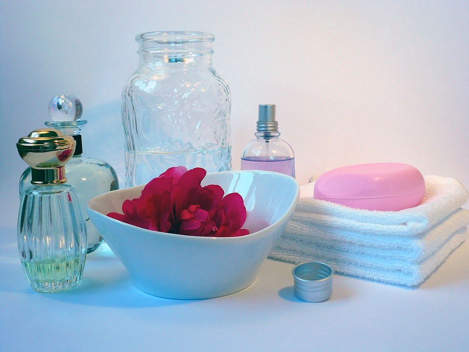 bath products to customize with to Make Scented Body Lotion That shimmers