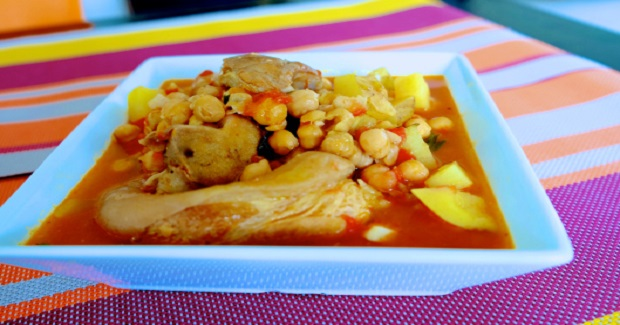 Patitas De Cerdo Con Garbanzos Recipe