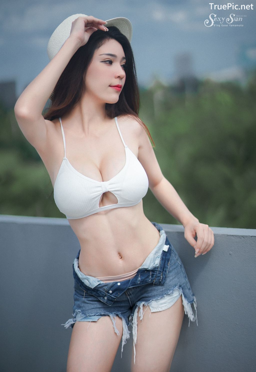 Image-Thailand Sexy Model-Janet-Kanokwan-Saesim-White-Bra-And-Jean-TruePic.net- Picture-3