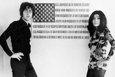 Foto de John Lennon con su esposa