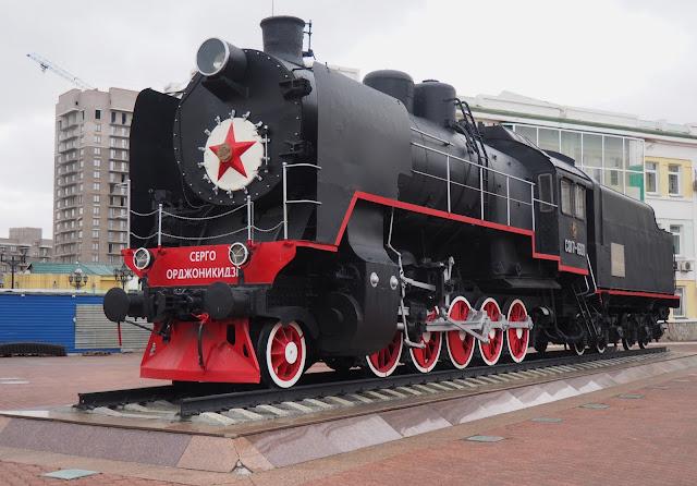 Памятник-паровоз - станция Красноярск