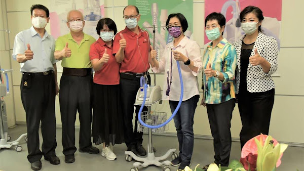 防疫救命神器在彰化 王惠美參訪醫療衛材隱形冠軍「鉅邦醫