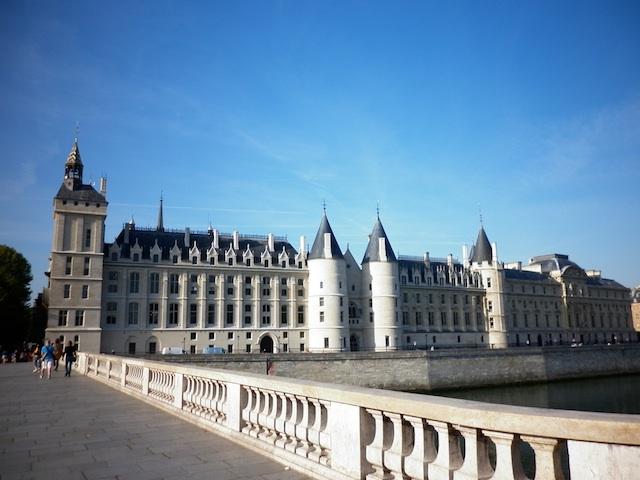 Conciergerie em Paris