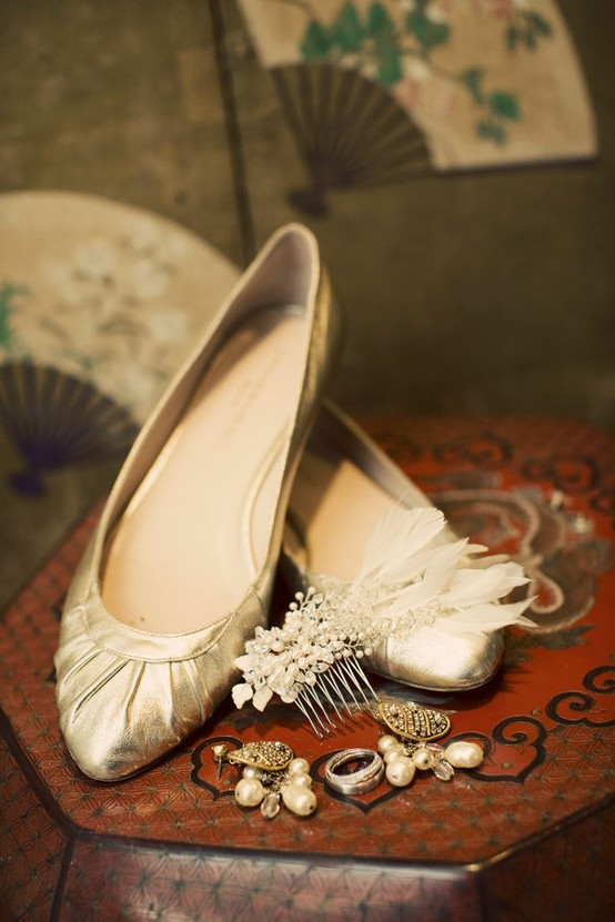 WEAR POINTED FLATS - Fashion Tips For Short Girls