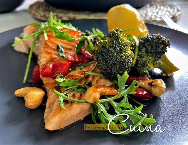 Salmón Salsa Teriyaki, rectafacil, saludable, l'essència de la cuina, cocinafacil, pesado facil