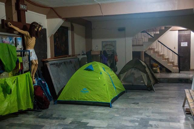 Filipiny, od namiotem, kościół