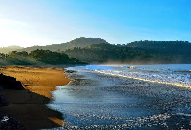 10 Pantai Jember Dengan Pemandangan Indah Menakjubkan