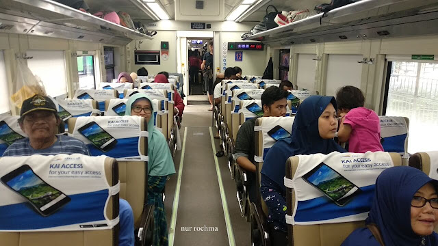 kereta api ekonomi premium kertajaya
