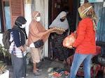 Isolasi Mandiri, Suplai Makanan Dibantu Warga Tanah Pak Lambik