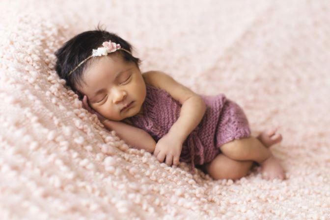 Keuntungan Menggendong Dengan Posisi Yang Benar Pada Bayi