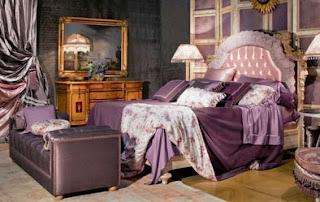 Habitación en violeta y plata