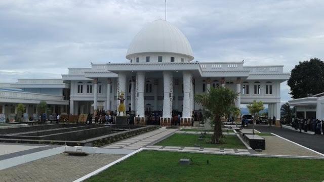 Tokoh Papua: Jokowi tak Usah Cari Utang, Istana di Papua Sudah Jadi