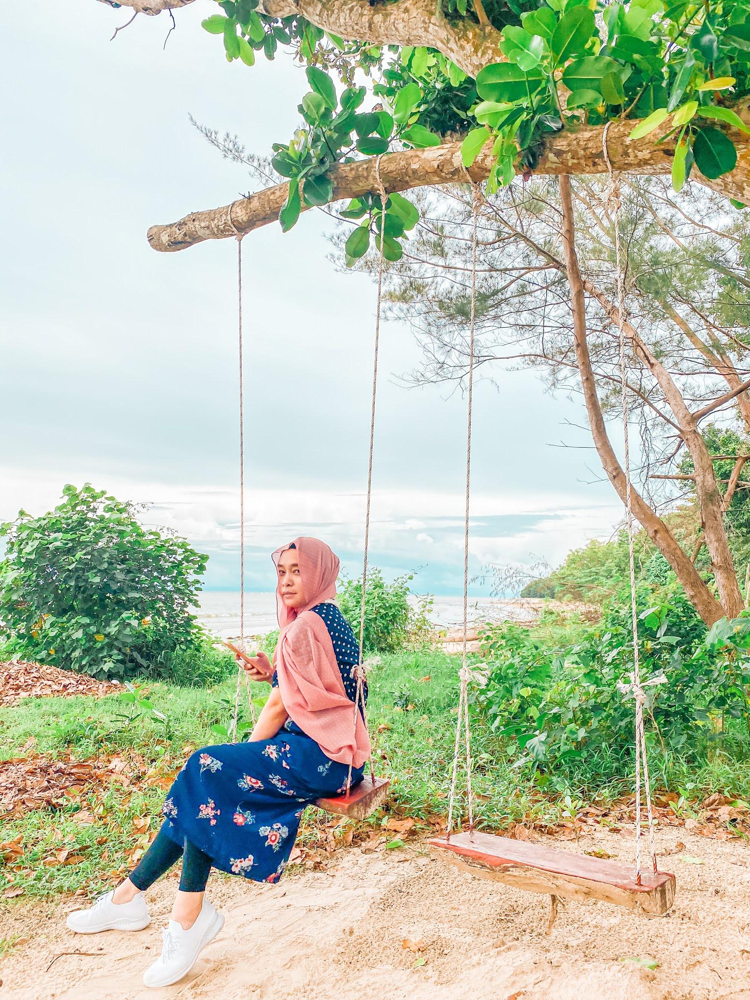 Blue Eyes Beach Resort, Kuala Penyu, Sabah