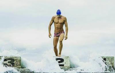 indahnya bentuk tubuh atlet renang