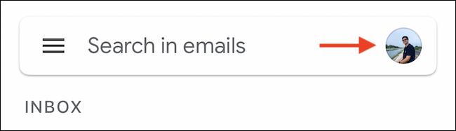 اضغط على أيقونة ملف تعريف Google من شريط بحث Gmail.