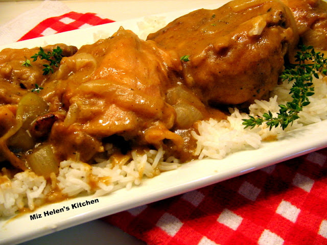 Southern Smothered Chicken at Miz Helen's Country Cottage