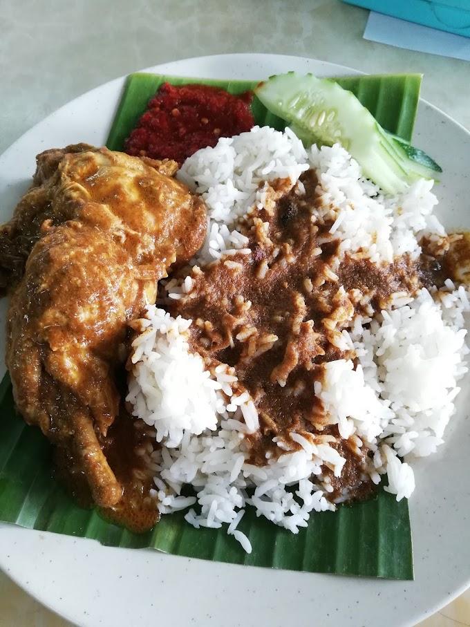 Makan di Kak Su Nasi Kerabu Narak